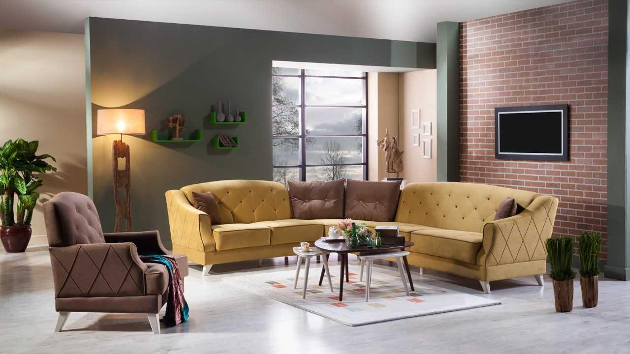 sarı ve kahverengi köşe oturma grubu