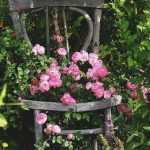bahçe için eski eşyalar ile şık dokunuşlar