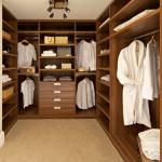 küçük giyinme odası