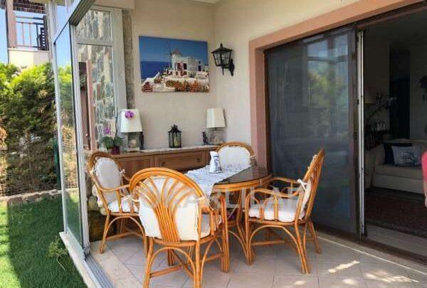 Güzel Bahçe Katı Balkon Modelleri