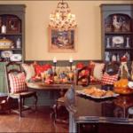 Renklendirilmiş Klasik Yemek Odası Takımları